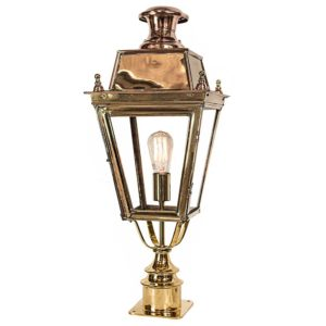 Balmoral Short Pillar Light by the limehouse lamp co.