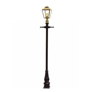 Knightsbridge Lamp Post Mount lantern by the limehouse lamp company
