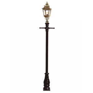 Chateau Medium Lamp post from Limehouse lighting